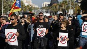 Portesta en la avenida Diagonal por la presencia delRey en Barcelona, este lunes 4 de noviembre
