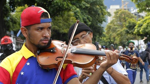 Willy Arteaga se ha convertido en un símbolo de los manifestantes que se oponen al Gobierno de Maduro