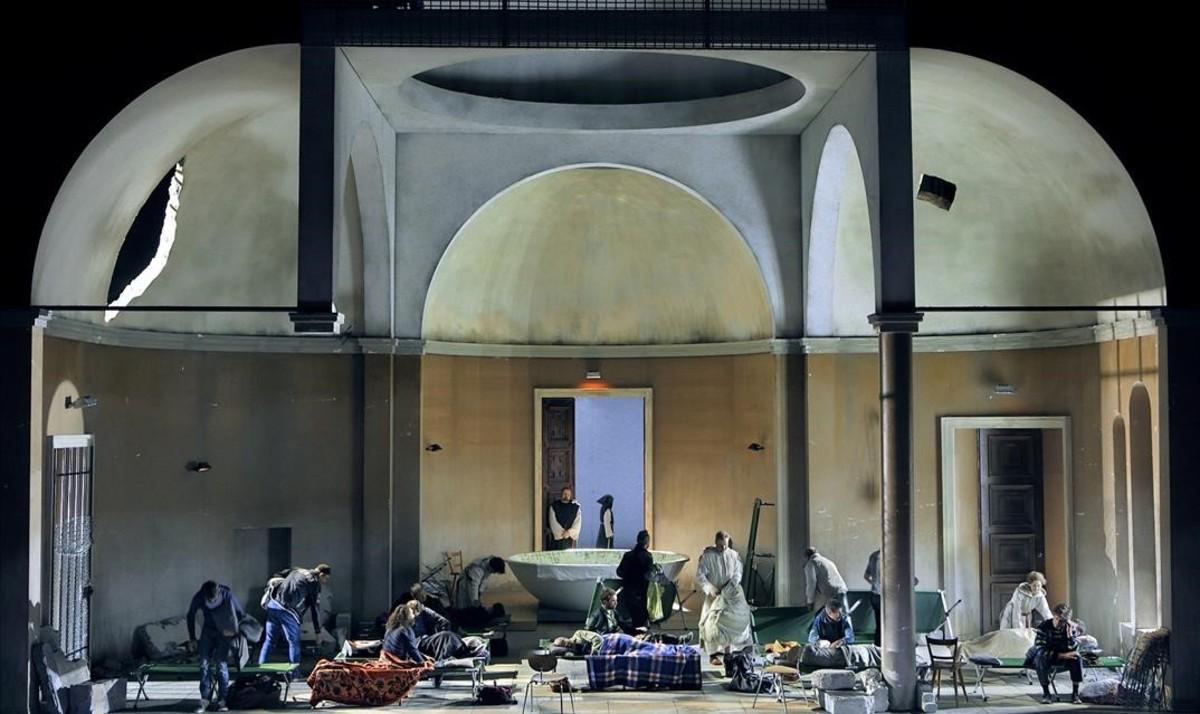 Escena del primer acto de la ópera 'Parsifal', de Richard Wagner, en el Festival de Bayreuth.