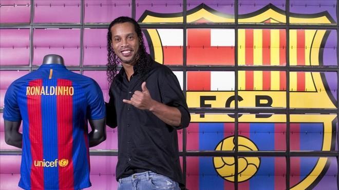 Ronaldinho, en febrero del 2017, cuando se incorporó al Barça como embajador del club