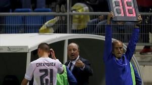Benítez sustituye a Cheryshev en el inicio de la segunda parte en Cádiz.