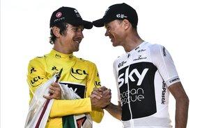 Geraint Thomas (de amarillo) y Chris Froome, en el podio de París del Tour del 2018.