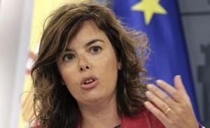 """Santamaría veu """"amb distància"""" la dimissió de Cospedal en el PP"""