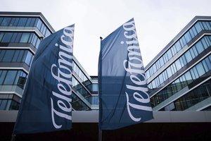 DUS814 DUSSELDORF ALEMANIA 24 02 2015 - Fachada de la sede de Telefonica en Dusseldorf Alemania hoy martes 24 de febrero de 2015 La compania de telefonia movil Telefonica Deutschland filial alemana de la espanola tuvo en 2014 una perdida de 721 millones de euros tras la integracion de E-Plus y frente al beneficio de 78 millones de euros en 2013 Telefonica Deutschland es el primer operador de telefonia movil en Alemania tras la fusion con E-PLus que era la filial alemana de la holandesa KPN y opera con la marca O2 EFE Rolf vennenbernd