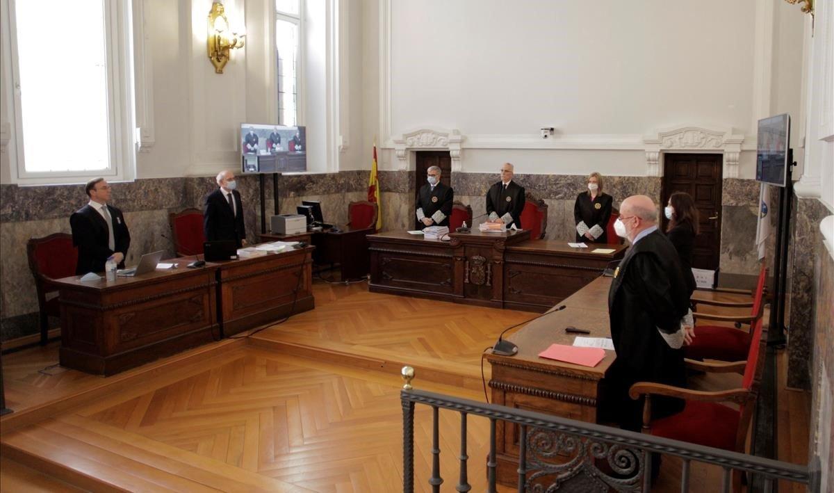 El Tribunal Superior de Justicia de Galicia, en A Coruña, antes de comenzar una sesión.