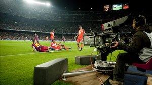 Retransmisión de un partido de fútbol en el Camp Nou.