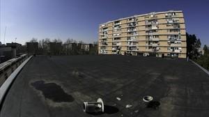 Actual aspecto del terrado de los viejos cines Pere IV, en el Besòs.