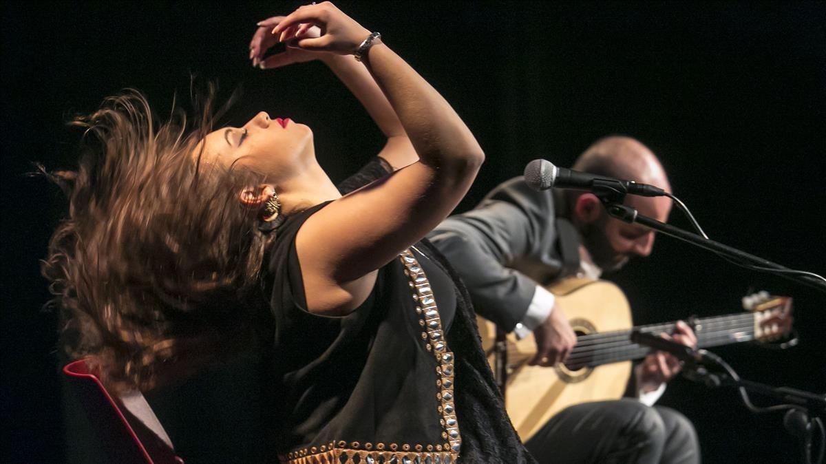 María Terremoto, durante su actuación en el centro cívico Parc-Sandaru.