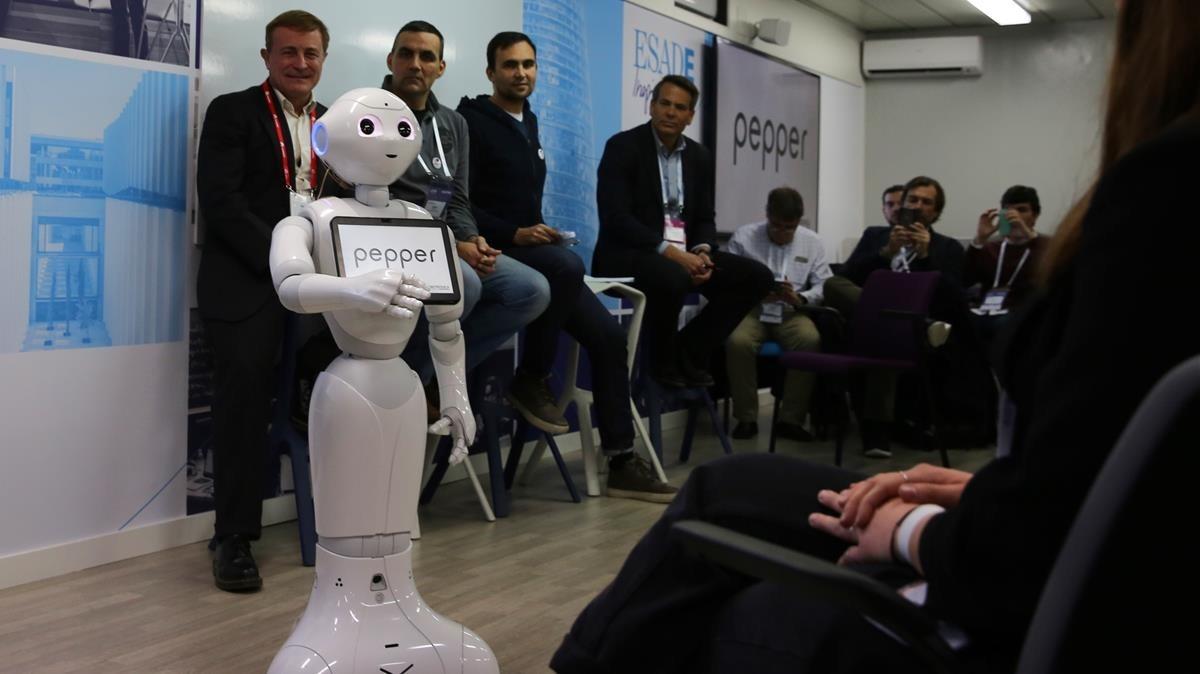 El robot Pepper durante la demostración en el salón 4YFN.