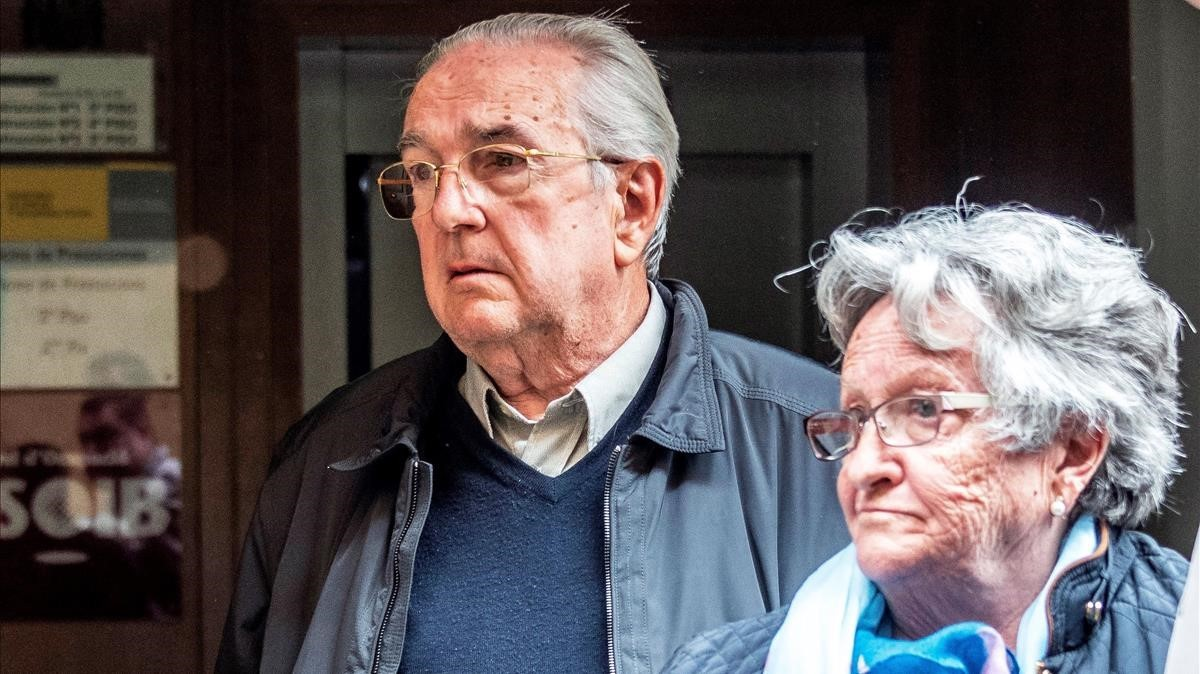 El hombre acusado de matar a un ladrón y su esposa, en los juzgados de Manacor.