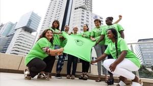 Las Kellys presentan su primera sección sindical delante del hotel Hilton, donde han sido contratadas directamente hace poco.