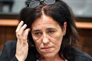 França jutja una mare que va amagar la seva filla al maleter del cotxe