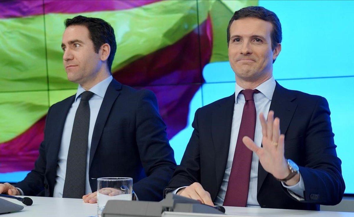 Teodoro García Egea y Pablo Casado, en la junta directiva nacional de esta mañana en Génova.