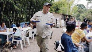 El cocinero José Andrés y la ONG World Central Kitchen, en acción ante la emergencia venezolana.