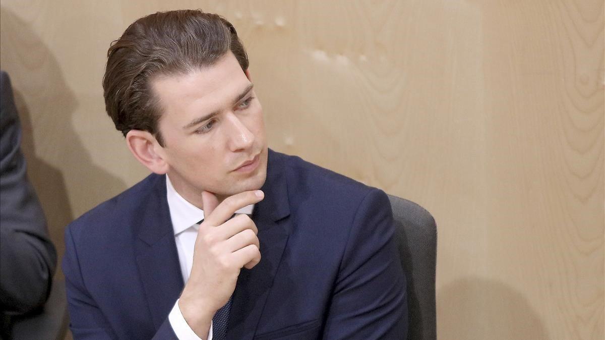 Una moció de censura pactada per socialdemòcrates i ultres tomba el Govern d'Àustria