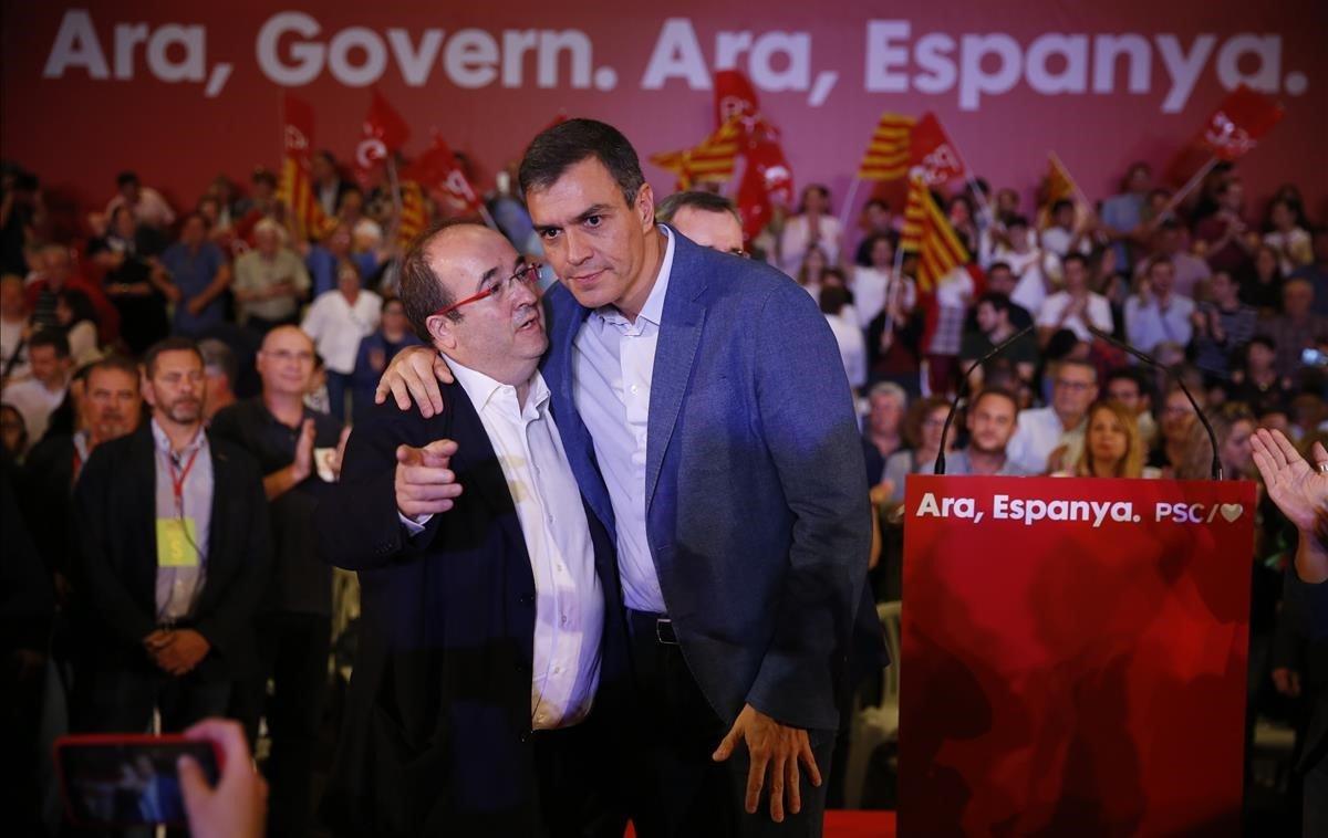 El PSC levanta la bandera del federalismo