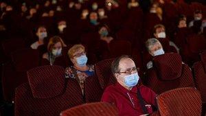 Espectadores con mascarillas enel BCN Film Festival.