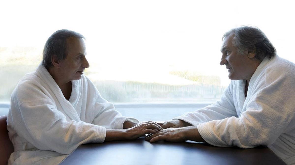 Houellebecq y Depardieu en una escena de 'Thalasso'.