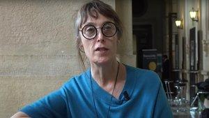 La escritora francesa Hannelore Cayre.