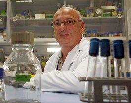 Francisco Juan Martínez Mojica, es un microbiólogo, investigador y profesor español titular del Departamento de Fisiología, Genética y Microbiología de la Universidad de Alicante.