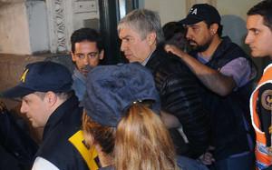 Detención del empresario Lázaro Báez (centro), vinculado a los Kirchner.