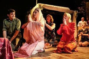 La ceremonia ritual en la que se unen los protagonistas.