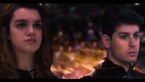 Amaia y Alfred, como tributos en Los juegos del hambre.