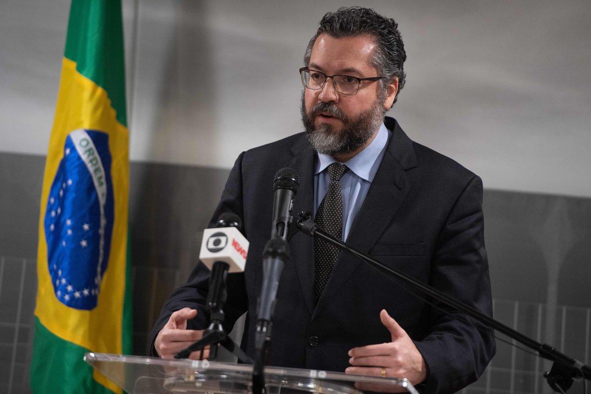 El canciller de Brasil, Ernesto Araújo, en una conferencia de prensa. FotoSAUL LOEBAFP