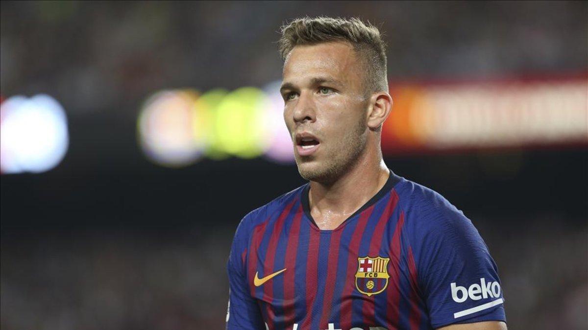 Roban en la casa de Arthur durante el Barcelona-Liverpool