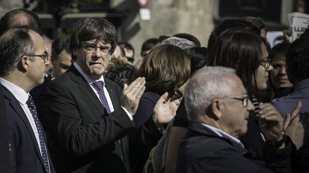 Puigdemont confirma a Rajoy que no se votó la independencia pero que lo hará si se activa el 155