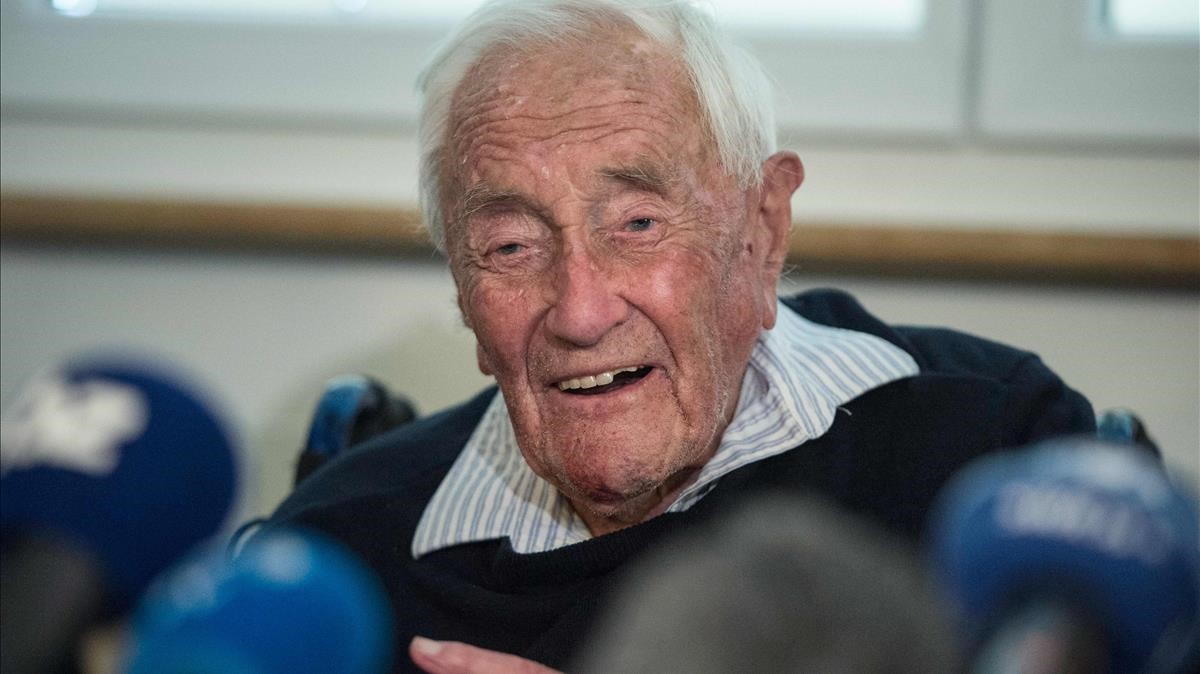 El científico australiano David Goodall, de 104 años, un día antes de recibirla asistencia al suicidio en Suiza.