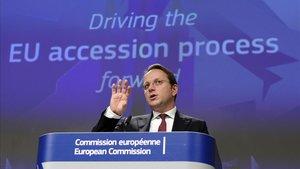 El comisario eurpeo de ampliación,Olivér Varhelyi, durante una intervención, este miércoles, en Bruselas.