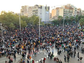 Concentración de los CDR en Gran Via-Marina, en Barcelona.