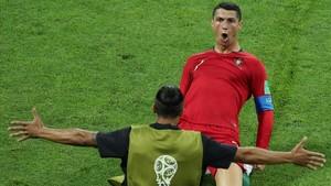 Cristiano Ronaldo celebrando uno de los goles ante España
