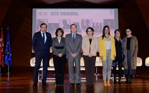 Enrique López inaugura la VII Cumbre de Mujeres Juristas.