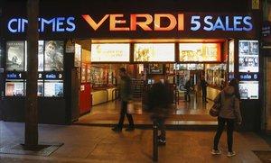 La entrada de los cines Verdi.
