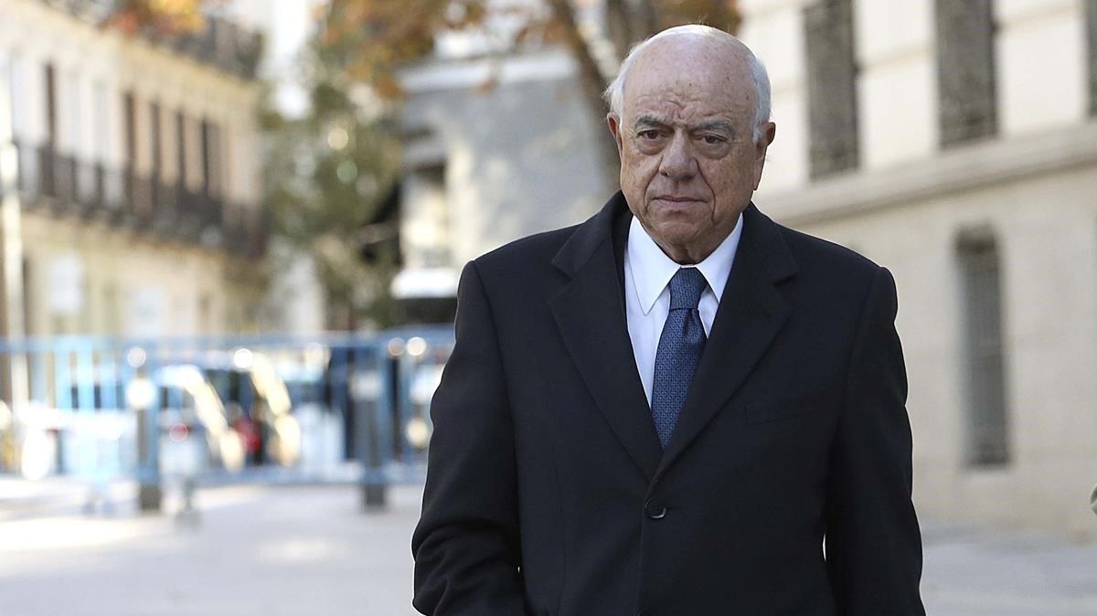 Elexpresidente del BBVA Francisco González llega a la Audiencia Nacional a declarar como imputado en el 'caso Villarejo', el 18 de noviembre pasado.
