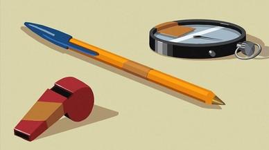 Un silbato, un cronómetro y un bolígrafo