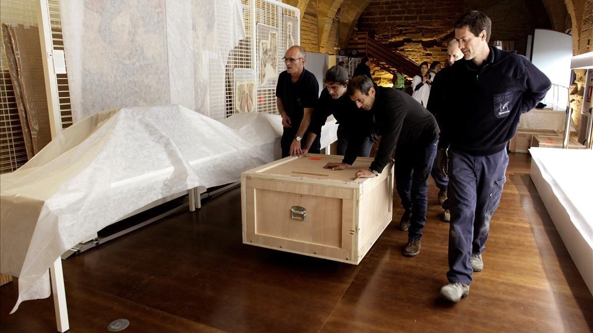 Fotografía facilitada por el Gobierno de Aragón de la llegada de los bienes del patrimonio histórico artístico del Monasterio de Sijena.