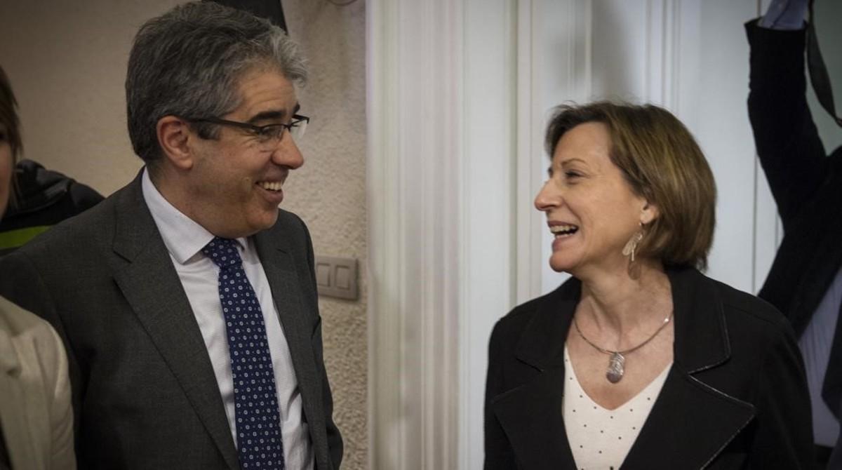 Carme Forcadell y Francesc Homs, en una conferencia en el Col.legi de Periodistes de Catalunya, en abril.