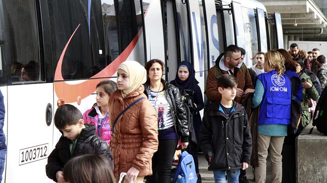 El Govern atribueix a la complexitat dels tràmits la poca acollida de refugiats.