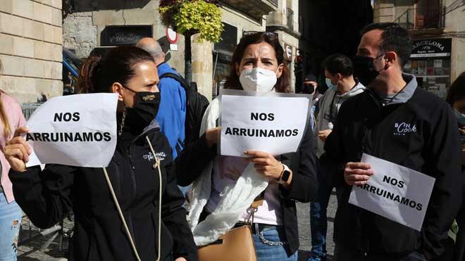 Protesta del gremio de la restauración por el próximocierre de sus locales.