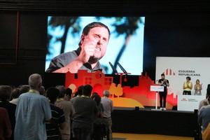 Imagen de Oriol Junqueras en una pantalla durante la conferencia nacional de ERC, este sábado.