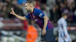 Jordi Alba celebra su gol, el segundo del Barça, en el partido ante la Real Sociedad.