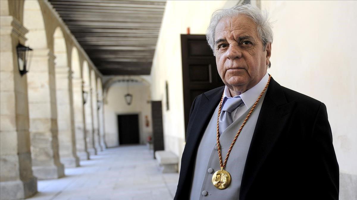Juan Marsé después del acto de la entrega del Premio Cervantes