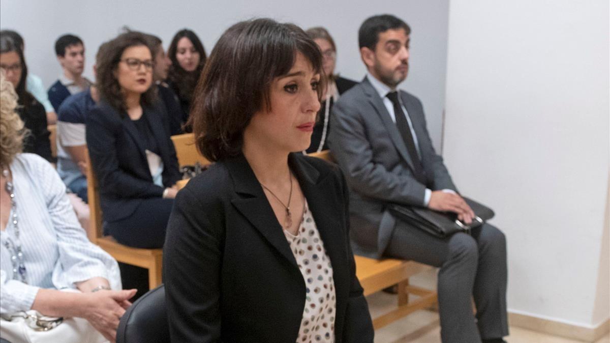 Juana Rivas en la sala del Juzgado de lo Penal 1 de Granada.
