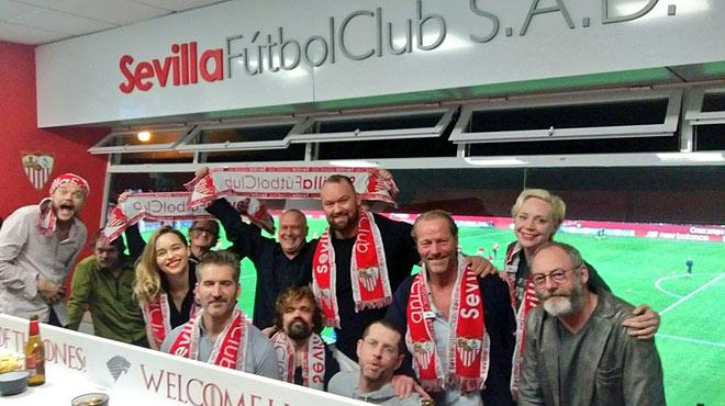 Los actores de Juego de tronos acuden al Sánchez-Pizjuan a ver el partido Sevilla-Barça.