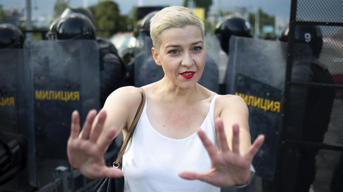 Maria Kolesnikova, en una fotografía de archivo del domingo 30 de agosto de 2020, durante un mitin en Minsk, Bielorrusia.
