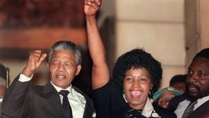 Mor a Sud-àfrica la política i activista Winnie Mandela