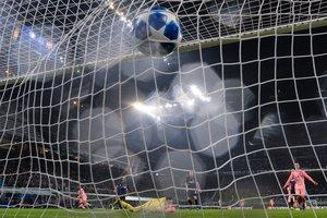 El Inter encaja el gol del Barça, el martes en Milán.